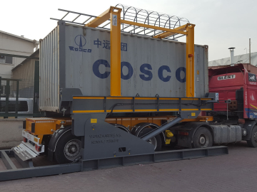 Container unloader