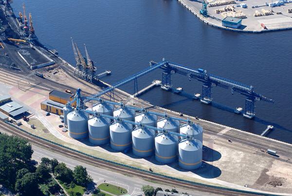 Показатели экспорта зерновых из морских портов Украины упали